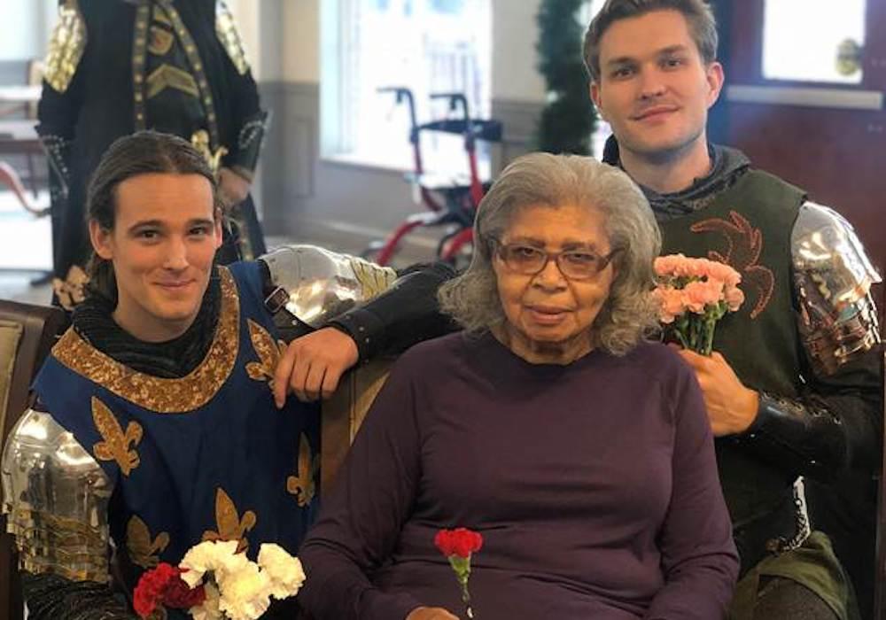 Legacy Ridge at Sweetwater Creek elder woman with performers in Lithia Springs, GA