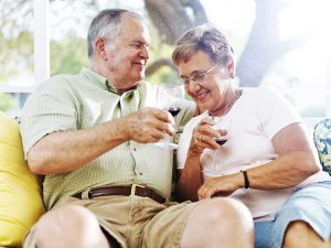 Lake Howard Heights | Senior couple drinking wine