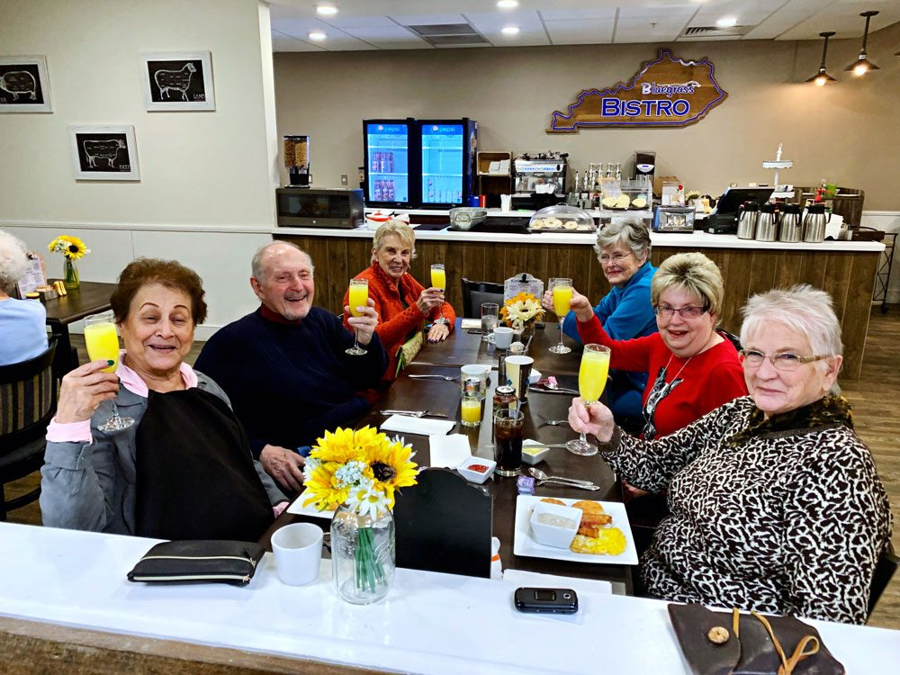 Legacy Reserve at Old Town | Residents at table