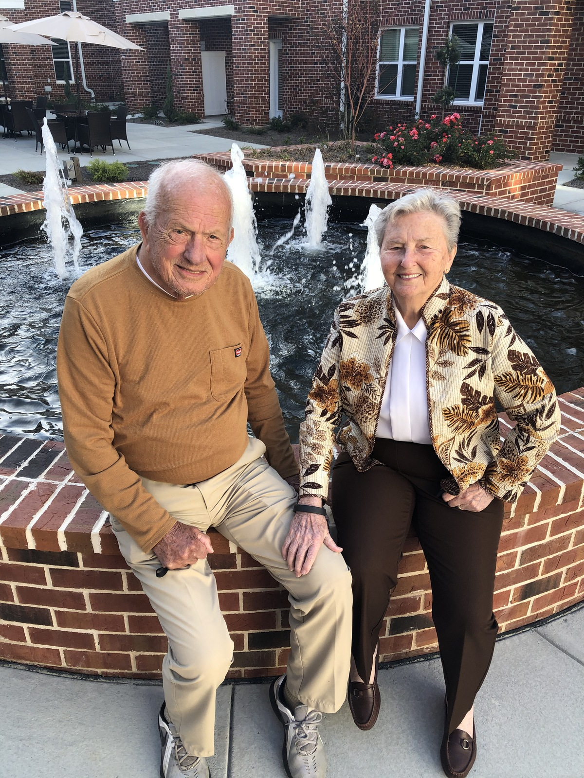 Legacy Reserve at Old Town   Seniors outdoors