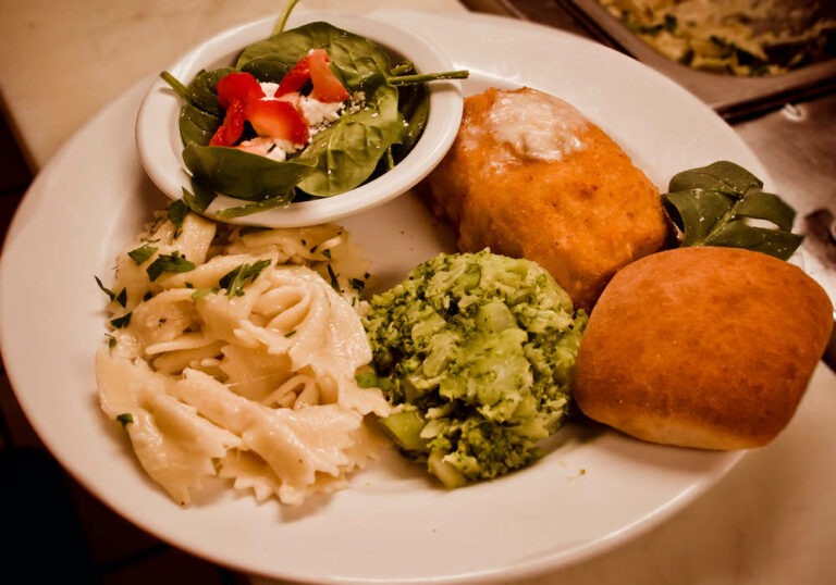 Legacy Ridge at Trussville | Dinner Plate With Food