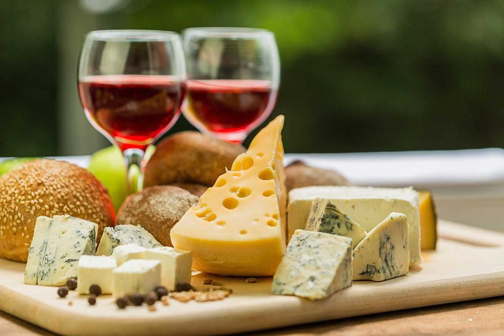 Legacy Ridge at Woodstock | Wine and cheese