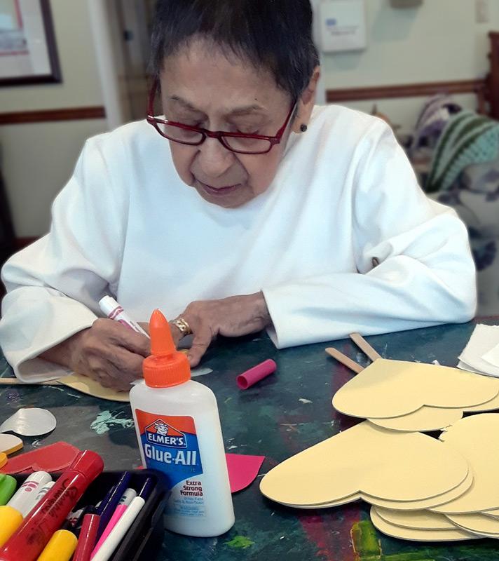 Legacy Ridge at Woodstock | Senior crafting