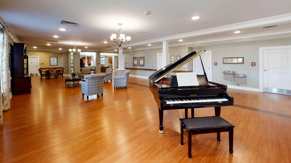 Oakview Park | Piano