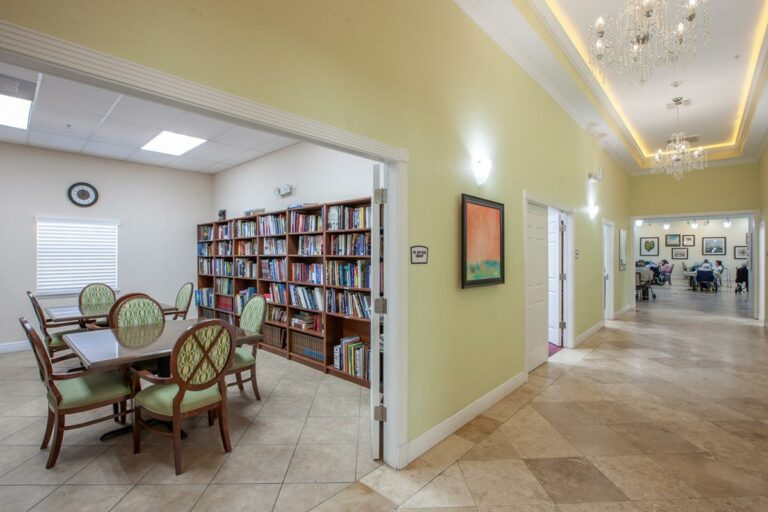 The Goldton at St. Petersburg | Library and hallway