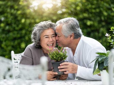 Atlas Senior Living | Senior couple smiling